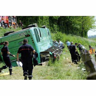 Grave accident de bus dans le Jura : 7 personnes en urgence absolue