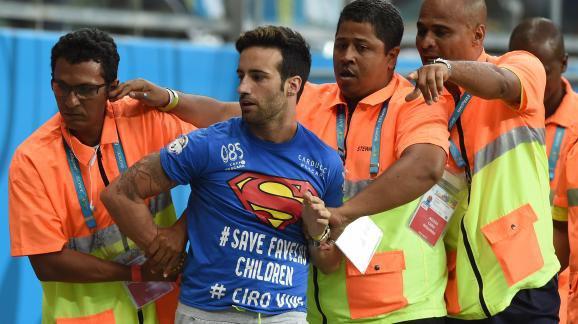 États-Unis-Belgique : qui est Mario Ferri, l'homme qui a couru près d'une minute sur le terrain ?