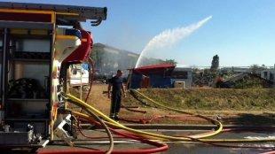 Deux équipages de pompiers agressés dans l'agglomération lyonnaise - France 3 Rhône-Alpes