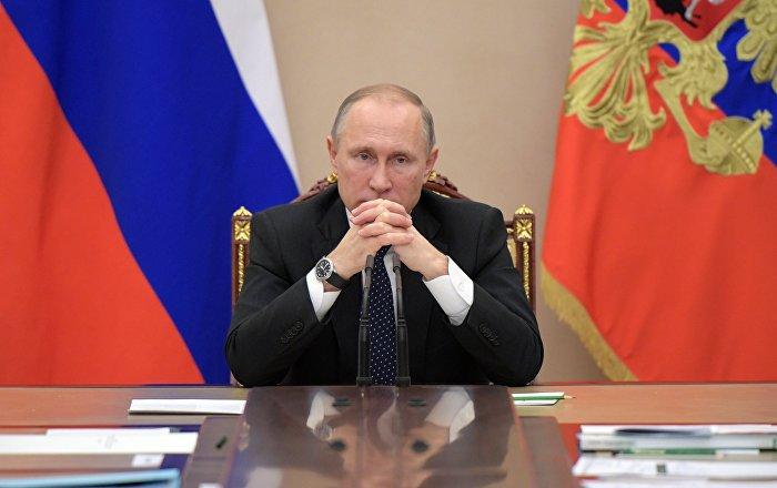 Poutine sur les accusations contre Damas sur l'attaque chimique: «On s'ennuie, les filles»