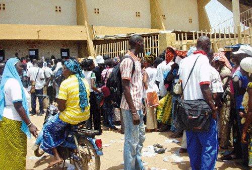 Crise de l'emploi au Burkina : Quand le chômage devient la règle - leFaso.net, l'actualité au Burkina Faso
