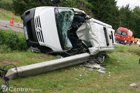 Une femme de 58 ans meurt au volant d'un minibus scolaire
