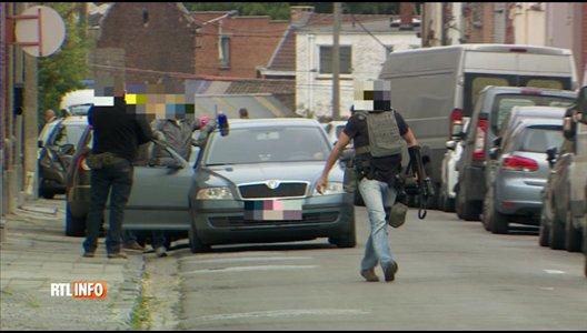 Arrestation musclée à Marcinelle par des homme cagoulés et armés jusqu'aux dents