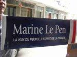 Les banderoles de Le Pen fabriquées en Chine...
