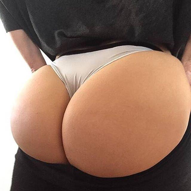 #8 : Excellent Hot Butts in Bikini -    http://bootymiss.blogspot.com/