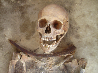 Apotropaic Practices and the Undead: A Biogeochemical Assessment of Deviant Burials in Post-Medieval Poland