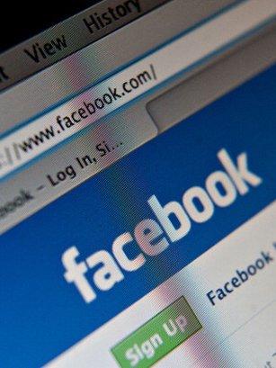 Terrorisme : Facebook refuse de supprimer des vidéos de recrutement de Daesh