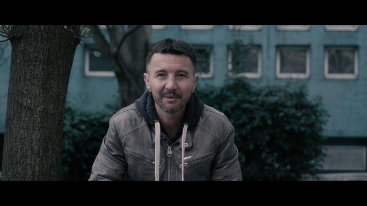 Olivier Besancenot devient rappeur le temps d'un clip sur la présidentielle ! | Planet Vidéos