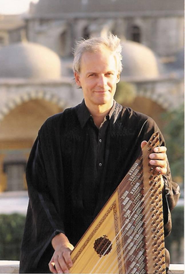Julien Jâlal Eddine Weiss, fondateur, directeur artistique et musicien de l'ensemble Al-Kindi, nous a quitté ce 2 janvier 2015 - Last night in Orient