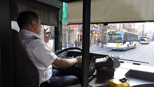 Un chauffeur De Lijn accro à l'envoi de SMS au volant