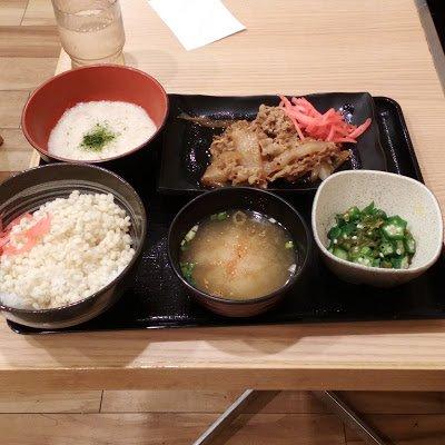 ひろもん にき: 吉野家で「麦とろ牛皿御膳」を食べました