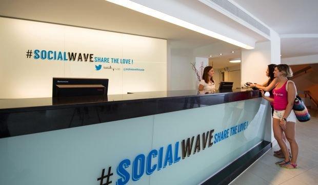 TWITTER HOTEL OPENS FOR SOCIAL MEDIA JUNKIES ~ Leisure Travel Egypt