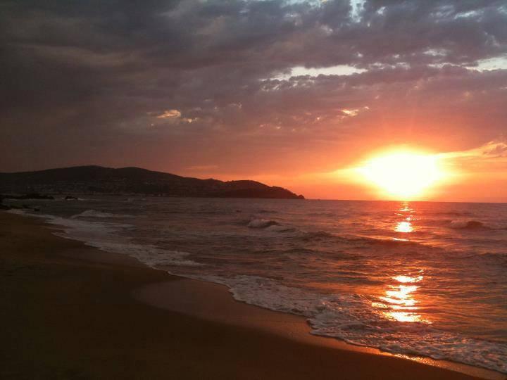 couché de soleil maintenant !! :) (l)