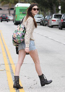 2011 05 16   Ali Lohan out and about candids in Venice Beach   0010