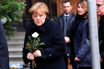 Attentat de Berlin: des résultats d'analyses imminents, plusieurs suspects en fuite?