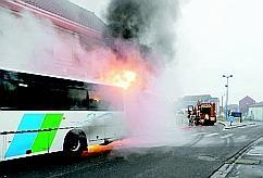 Un bus prend feu - L'AvenirdelArtois.fr