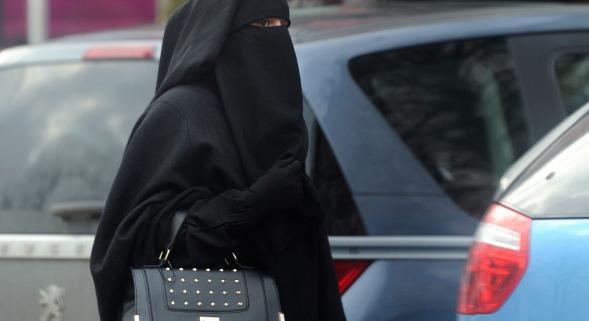 Condamnée à cent euros d'amende pour port du niqab
