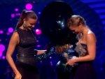 2011 EMA - Part 84 : Lady Gaga gagne la récompense du meilleur clip