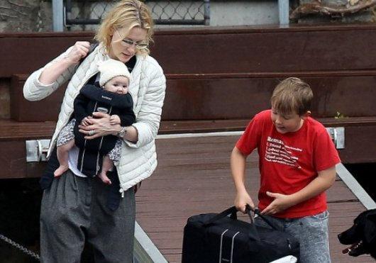 Cate Blanchett careful keeps baby Edith close as family enjoys Easter break at holiday home