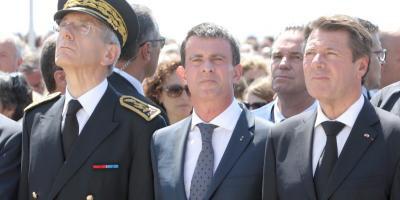 """Valls: """"Les sifflets, les insultes, sont indignes dans une cérémonie de recueillement"""""""
