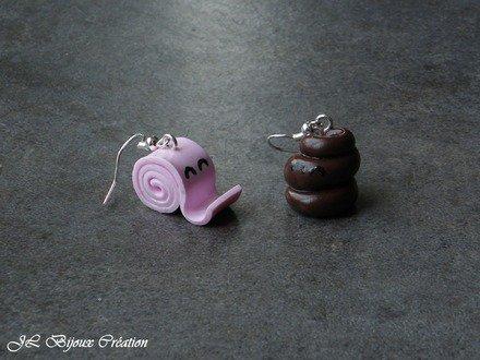 Boucle d'oreille caca et son papier toilette en fimo #1 Argent 925 : Boucles d'oreille par jl-bijoux-creation