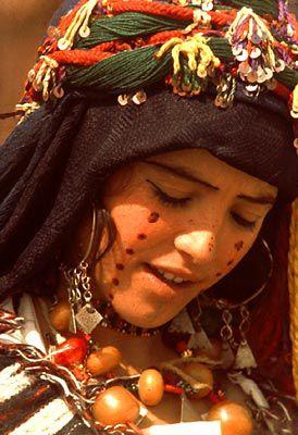 Jeune fille bèrbère du Maroc (Souss).