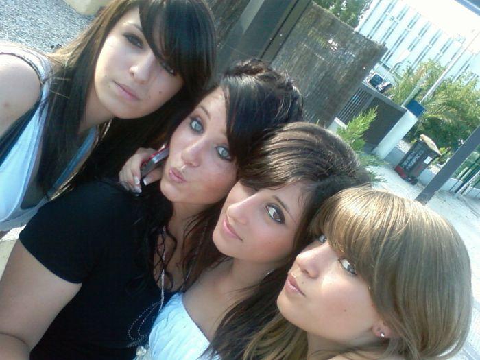 Manon, Chloé, Laura & Moii