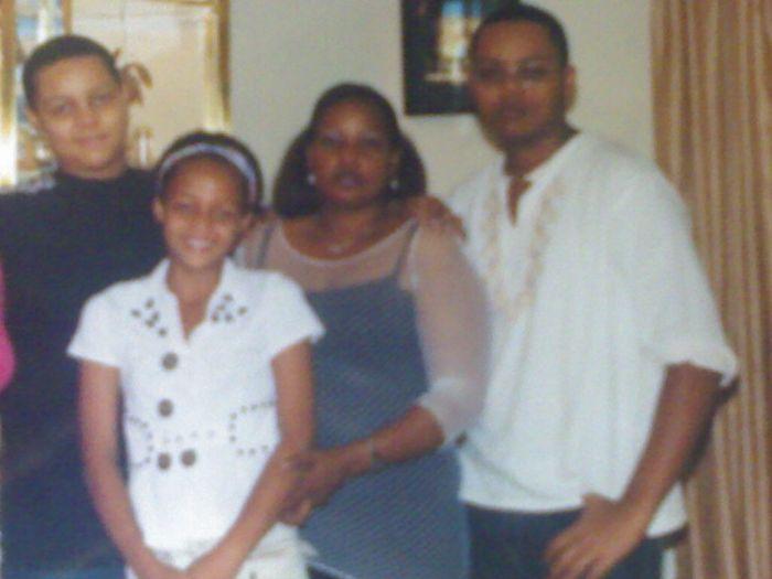 mon frère,ma soeur,ma mère et moi(ma famille)