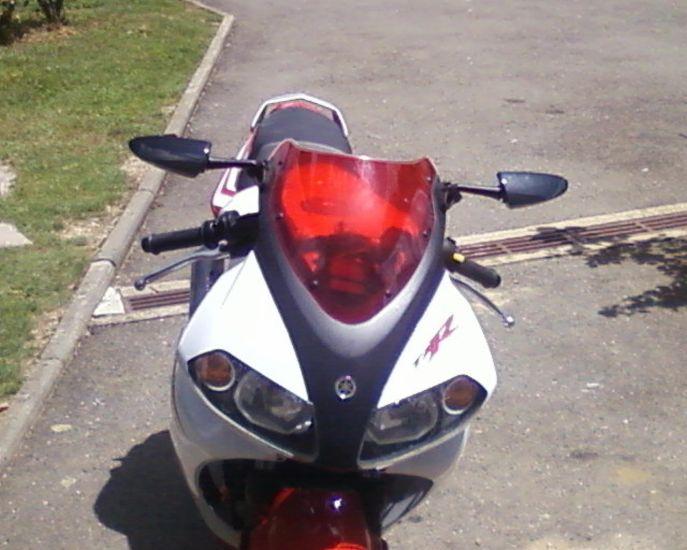 ma moto avc ma bulle rouge et mes retro en carbone