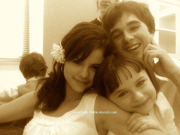 Selena, son cousin & Joey King
