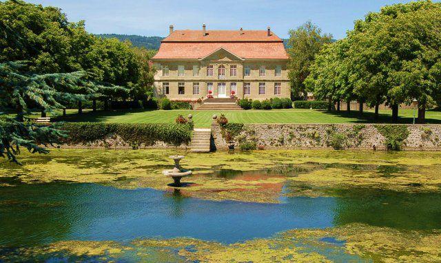 Chateau de l'Isle / Pied du Jura/ Vaud/ © 2009
