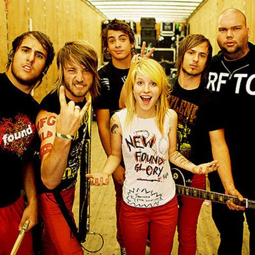 Paramore is a Band (L)
