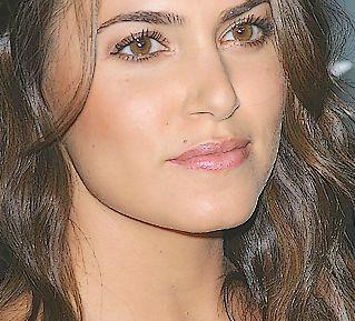 Nikki Reed (Twilight)
