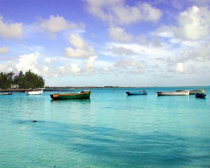 le bleu du ciel et de la mer