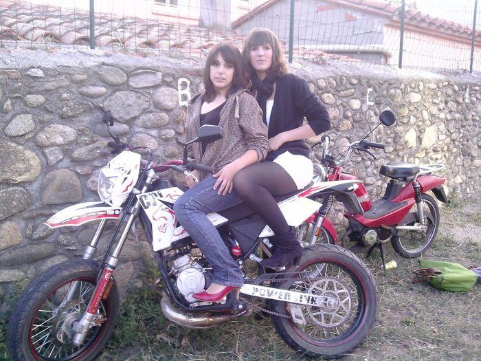 barbounette & la moto de romain