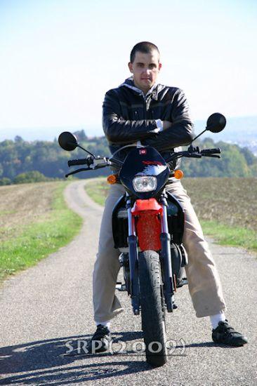 moi vinzen sur ma moto