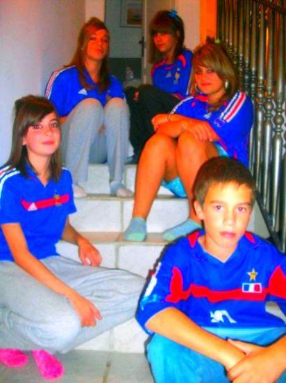 Sarah , Aude , Léna , Manoou &é Roomain . ♥
