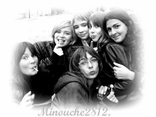 Marion,Charlyne,Noémie,Lucie,Moi &² TouT Devant La Manon  =D
