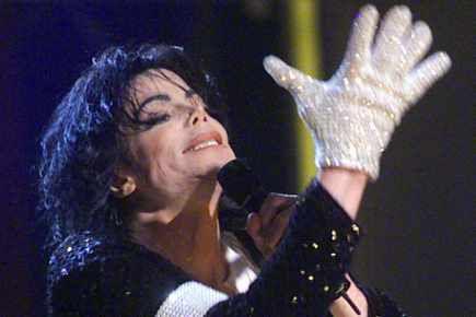 michael jackson en concert en 2001 pour 30 ans de carrière.