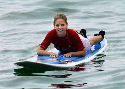 sarah fait du surf