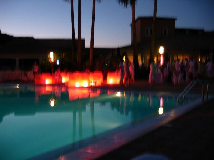soiré blanche otour de la piscine :D