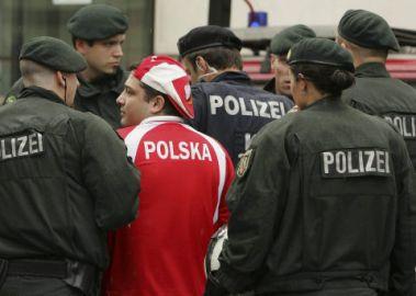 Reprezentuje Polske (Hh)