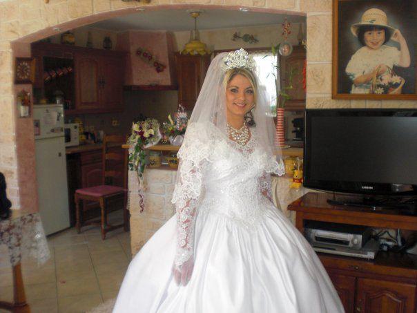 Ma belle couzine le jours de son mariage !! :$