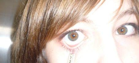 Non, je n'ai pas les yeux gris ^^