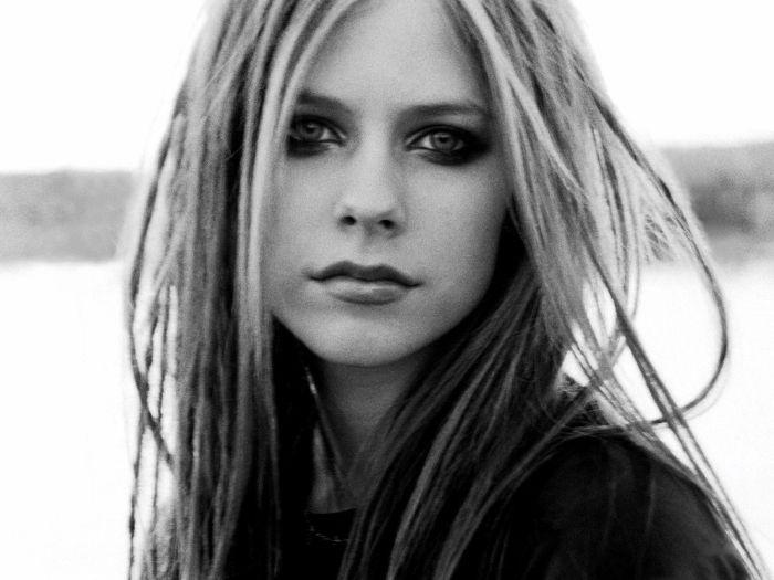 Avril wwwwwowww