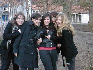 Moi, Clara, Ophélie, Magali & Julia <3<3<3 Vous me manqué