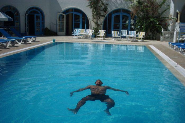 pff des barr la Tunisie!!! Vivement le prochain voyage!