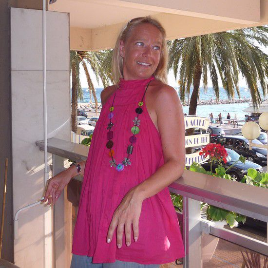 Delphine, Chargée de communication sur Farafina radio