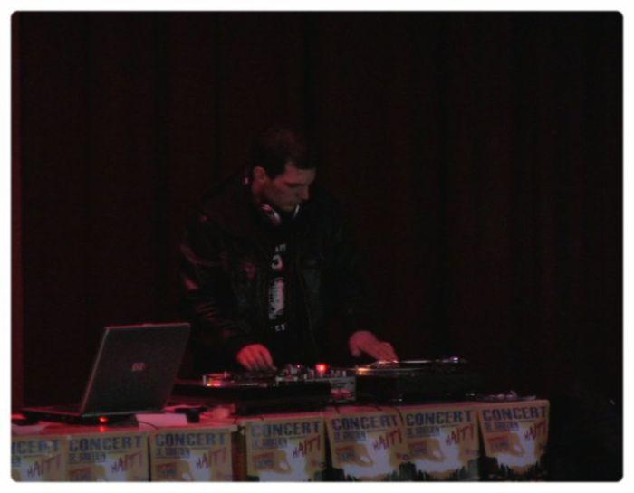 DJ TWO 1 live