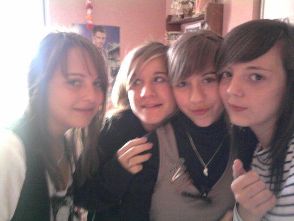 Emilie , Anαïs , Lucile & Moi ; Qe Du Love (2l)